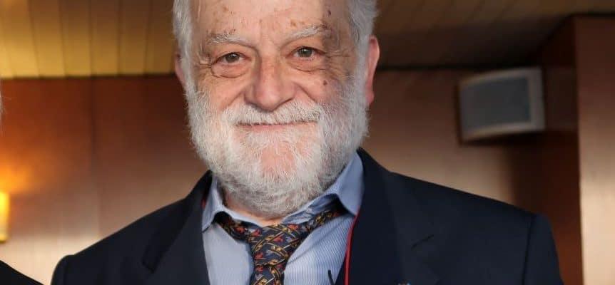 El Dr. Francesc Xavier Altarriba es una autoridad en sociología y prospectiva. Doctor en Sociología y Neurociencia. Es el Director del IPARS.